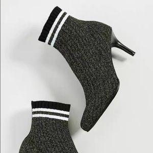 Stuart weizman grey sock heel ankle boots sz7.5